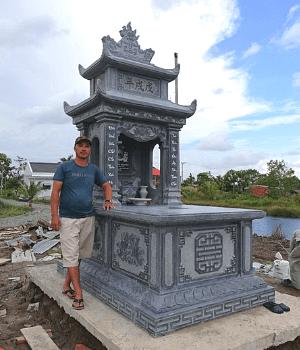 Mẫu Mộ Đá Hai Mái Trơn Đẹp lắp tại Kiên Giang