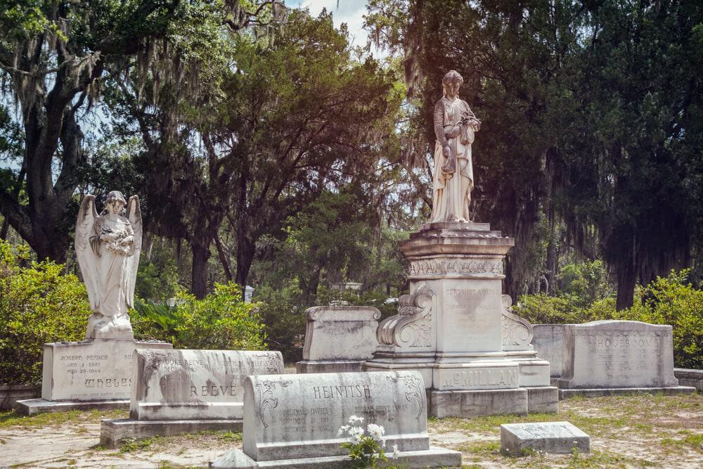 Những ngôi mộ và tượng đài độc đáo tại nghĩa trang Bonaventure
