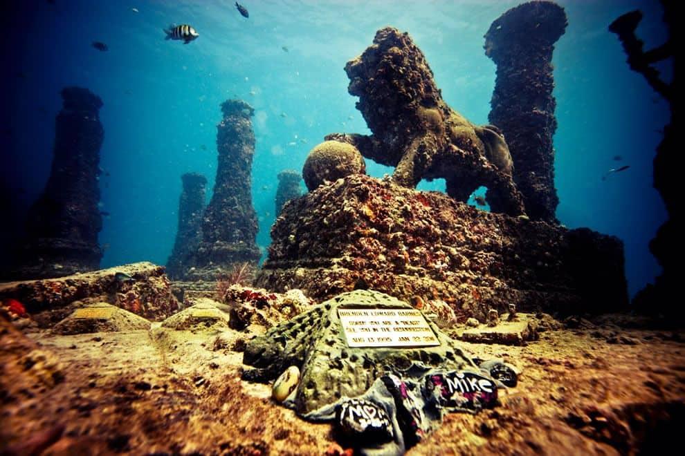 Quang cảnh đẹp tuyệt vời độc nhất của nghĩa trang Neptune Memorial Reef dưới đại dương