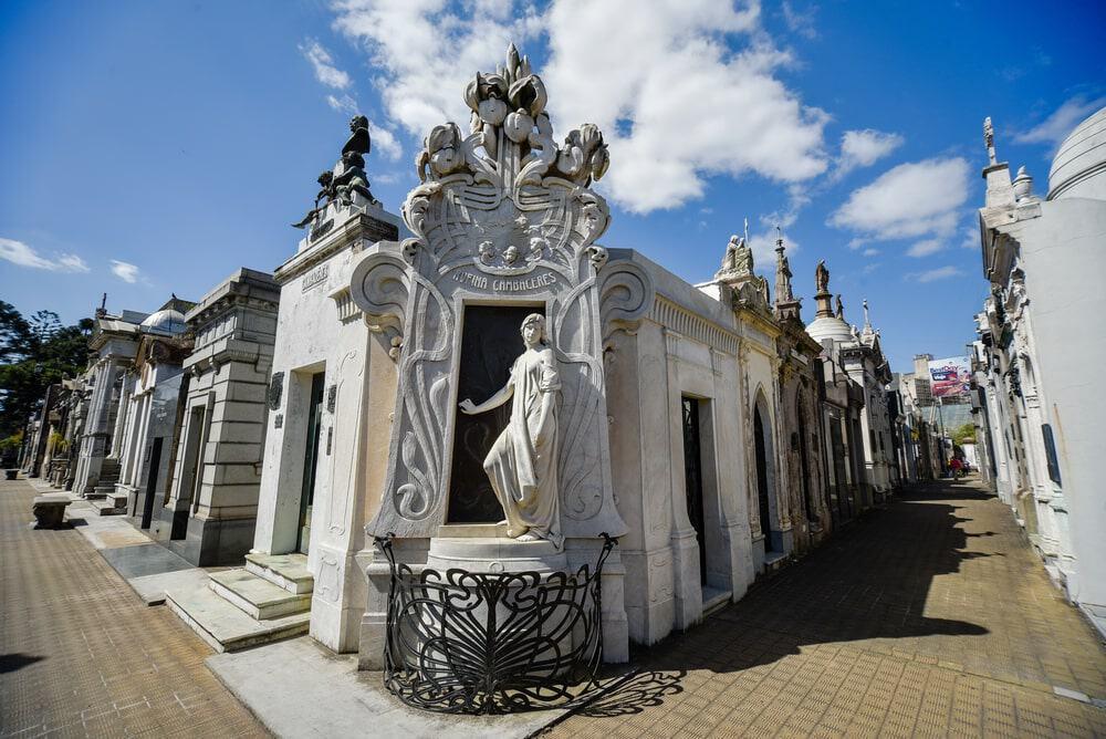 Nét đẹp cổ kính của nghĩa trang Recolea vẫn giữ nguyên vẹn tới tận ngày nay