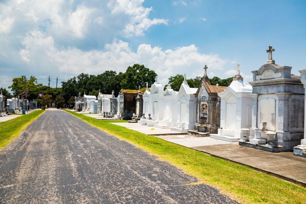 Quang cảnh nghĩa trang Saint Louis số 2