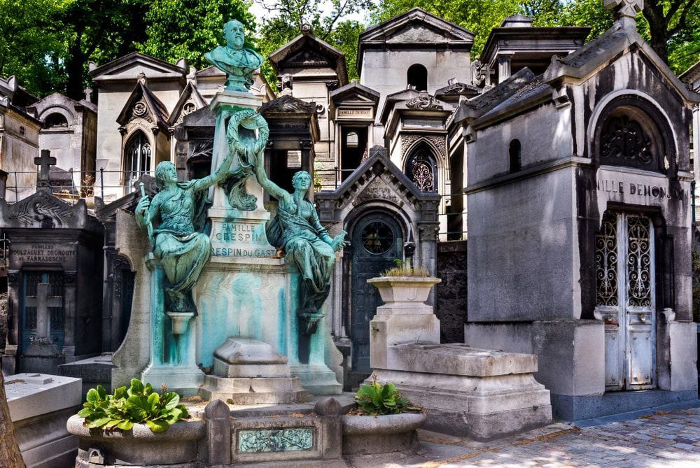 Mộ phần của Camille du Gast tại nghĩa trang Pere Lachaise, Paris